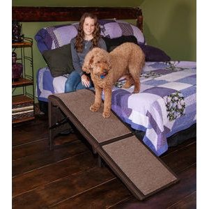 Free-Standing Extra Wide Carpeted Pet Ramp